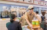 无声的面包店 靠纸笔和顾客交流